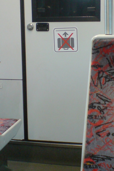 Fliegende Koffer verboten